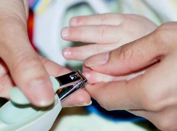 3 thời điểm mẹ tuyệt đối không cắt móng tay cho con kẻo bé CÒI CỌC, ĐAU ỐM suốt năm