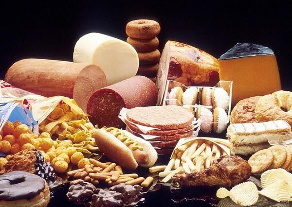 5 nhóm thực phẩm ảnh hưởng đến hệ thần kinh và não bộ thai nhi, bầu thương con thì chớ ăn nhiều