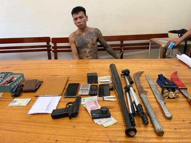 9X mang 3 tiền án, vừa ra tù tiếp tục tàng trữ súng và ma túy