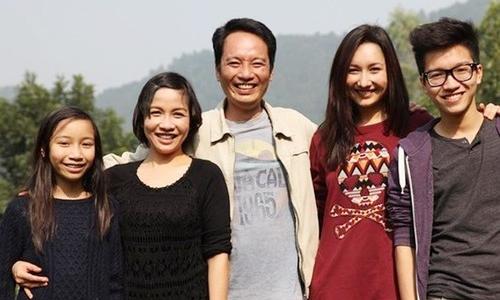 Ba con của Mỹ Linh lần lượt ra nước ngoài