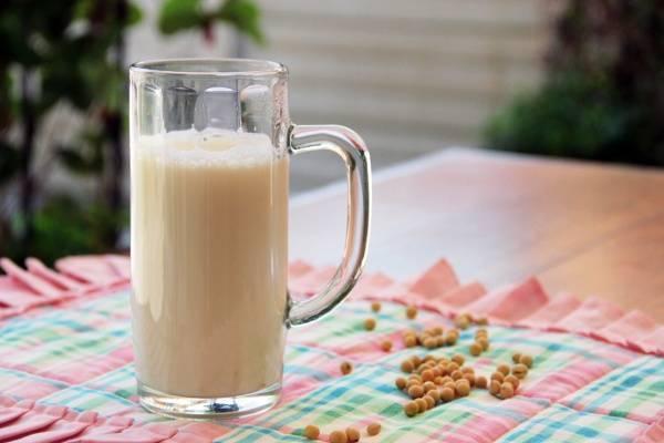 Bác sĩ Nhi khoa hướng dẫn cách chọn sữa phù hợp cho con theo độ tuổi