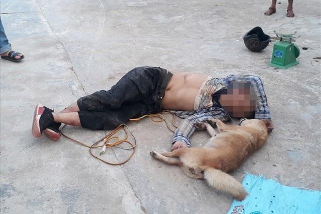 Bị vây ráp, kẻ trộm chó liều lĩnh dùng hung khí đánh hai cha con trọng thương