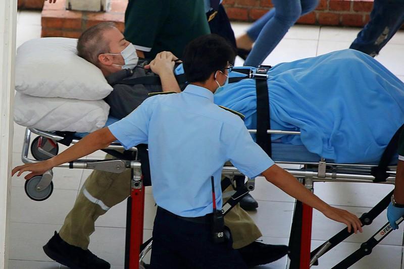 Chùm ảnh độc quyền phi công người Anh trên chuyến bay rời Việt Nam về nước