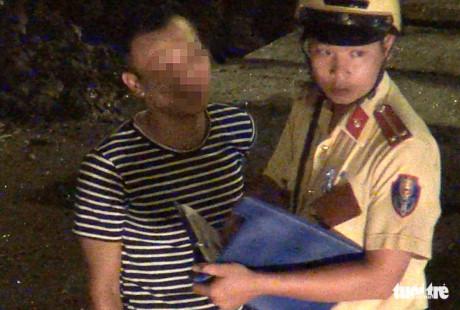 Đình chỉ 3 CSGT 'làm luật' ở cửa ngõ sân bay Tân Sơn Nhất