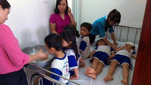 Đồng Nai tạm dừng Đề án Sữa học đường sau khi 73 trẻ bị ngộ độc
