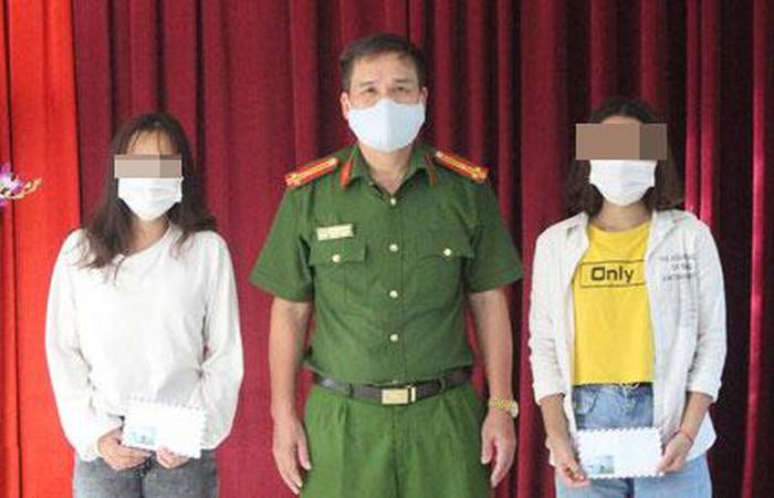 Giải cứu 2 thiếu nữ bị nhốt trong quán karaoke bắt phục vụ khách
