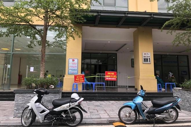 Hà Nội tạm phong tỏa tòa chung cư hơn 1.000 dân do có ca nghi mắc