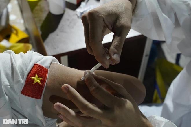 Hỏi đáp vắc xin Covid-19: Những đối tượng nào phải trì hoãn tiêm chủng?