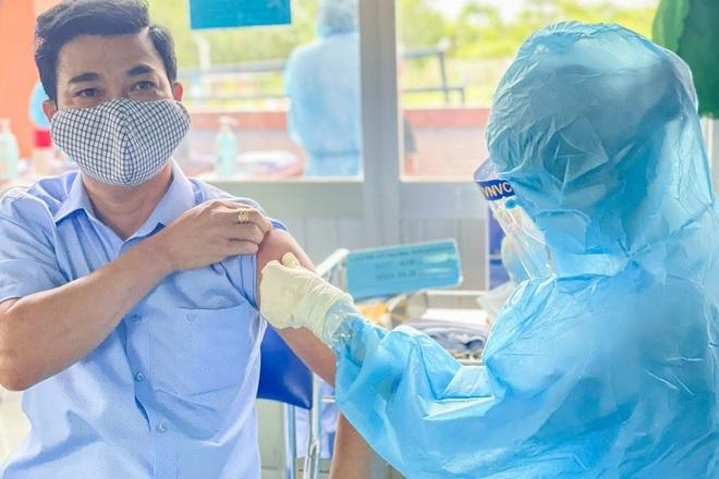Hỏi đáp vắc xin Covid-19: Quá ngày tiêm nhắc lại mũi 2 có giảm tác dụng?