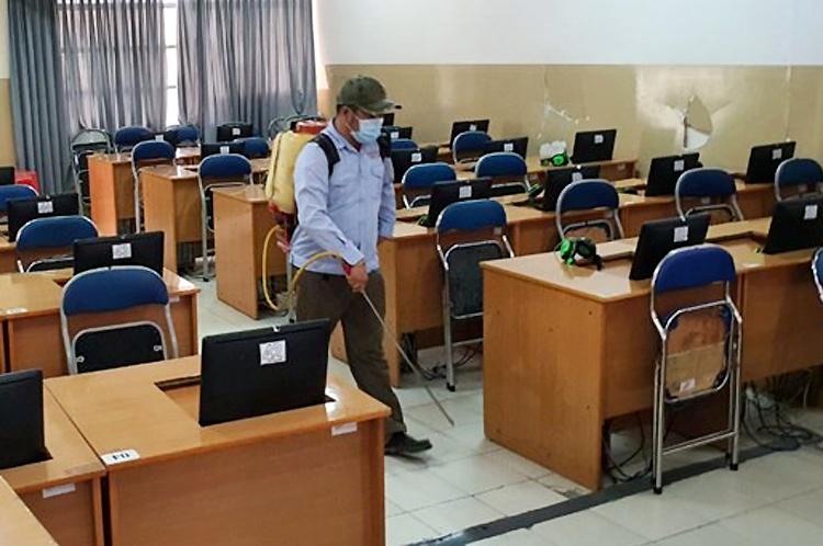 Khoảng 2 triệu học sinh trên địa bàn Hà Nội nghỉ học thêm một tuần