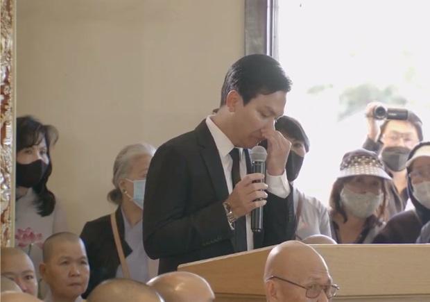 """Mạnh Quỳnh nghẹn ngào trong tang lễ của Phi Nhung: """"Có người nói Nhung bỏ Wendy mà đi nuôi người khác, sai lầm"""""""