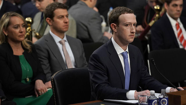 Mark Zuckerberg hé lộ khả năng thu phí người dùng trên Facebook