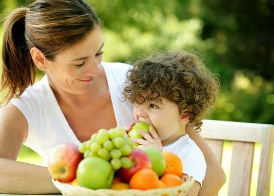 Mẹ Canada dạy con 10 thói quen ăn uống lành mạnh