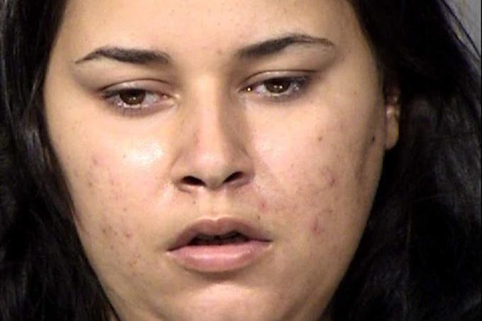 Mẹ say ma túy, con 3 tuổi tử vong trong ôtô