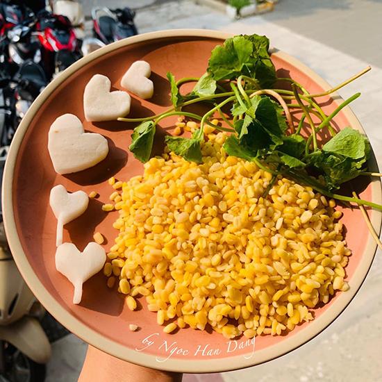 Ngọc Hân 'truyền' bí kíp làm sữa đậu xanh rau má