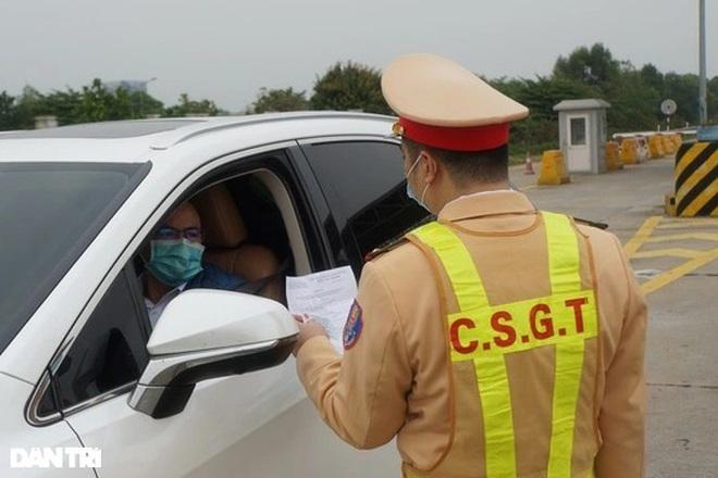Người từ Hà Nội đi tỉnh, thành khác có bị cách ly không, cần giấy tờ gì?