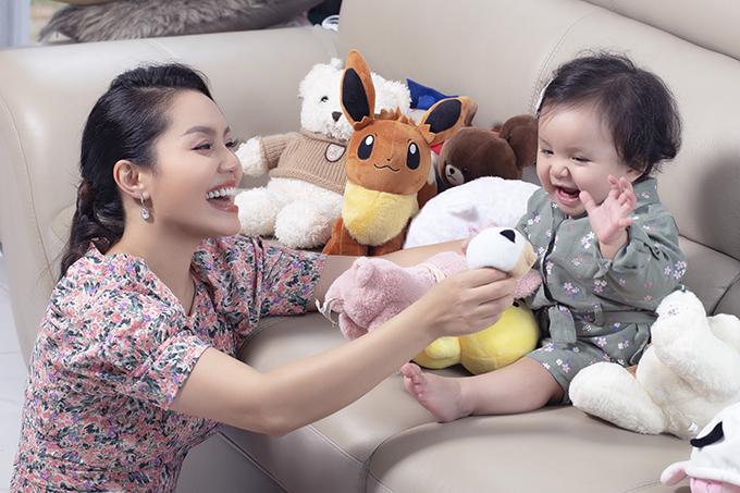 Nguyễn Ngọc Anh khoe 'công chúa nhỏ'