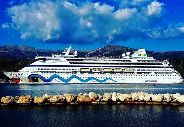 Phê bình Quảng Ninh vì từ chối tàu châu Âu hơn 1.000 khách
