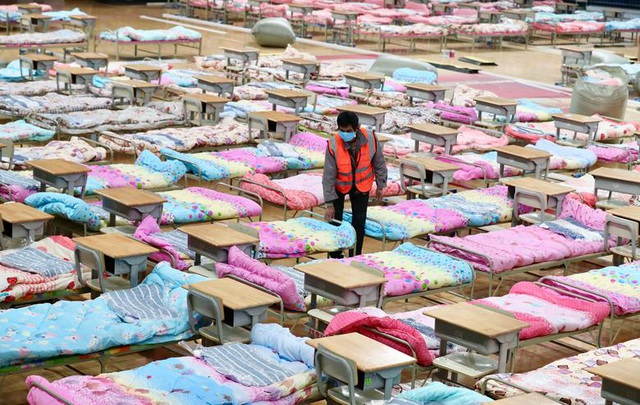Số người nhiễm virus corona không ngừng tăng, Vũ Hán lập 130 khu cách ly