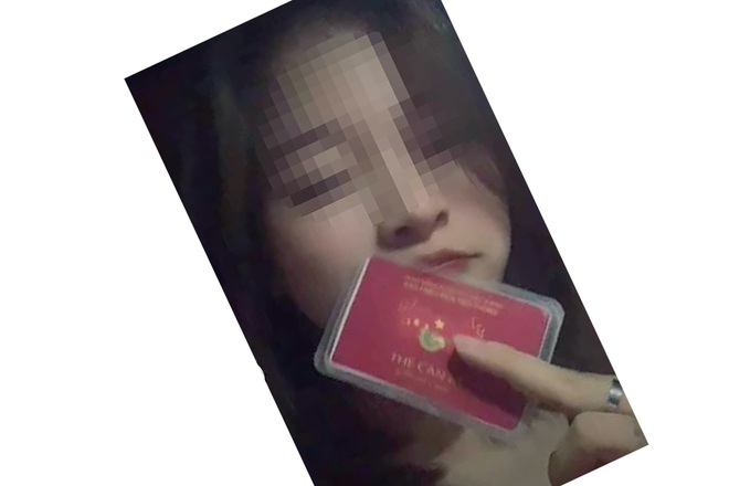"""Sự thật bất ngờ về """"tấm thẻ đỏ quyền lực"""" của hot girl Hà Nội"""