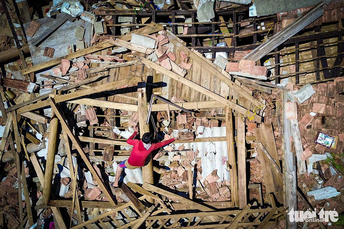 Tâm bão Hà Tĩnh: nhiều hộ dân không còn khả năng dựng lại nhà