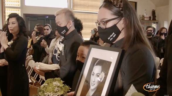 Tang lễ ca sĩ Phi Nhung tại Mỹ: 'Bên kia thế giới, mong em đừng đau buồn thêm nữa'