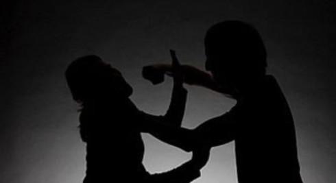 Thạch Thành Dùng dao sát hại vợ, đâm bố mẹ vợ rồi tự sát