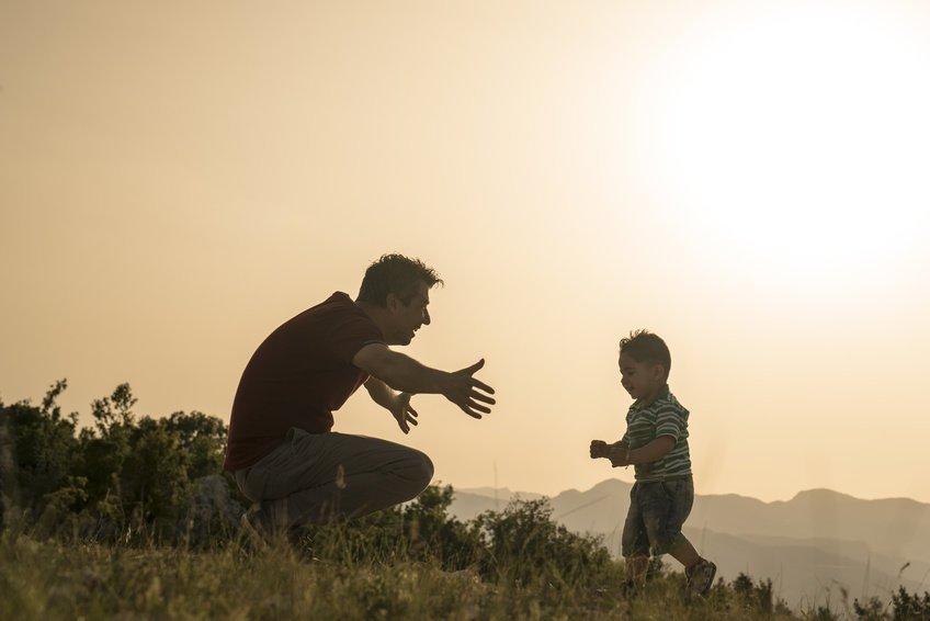 """Thấm lời cha dạy """"Là người chồng tốt hãy gắp thức ăn cho vợ mỗi ngày nghe con"""""""