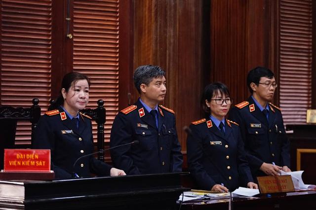 Thứ trưởng Bộ Y tế Trương Quốc Cường vắng mặt phiên xử vụ VN Pharma