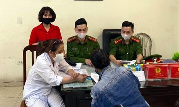 Trường hợp đầu tiên ở Hà Nội bị phạt vì không đeo khẩu trang