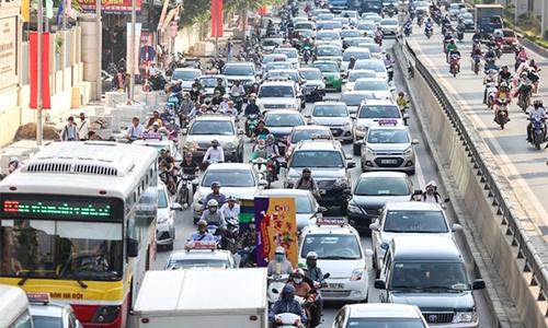 Vì sao Việt Nam đánh thuế ôtô nặng nề?