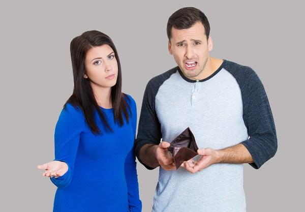 Vợ dại mới kiểm tra điện thoại chồng! Với chiêu độc này, đàn ông ĂN VỤNG lộ mặt ngay, đừng lo bị che mắt