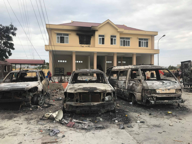 Vụ gây rối tại Bình Thuận: 60 ô tô xe máy bị đập phá, đốt cháy
