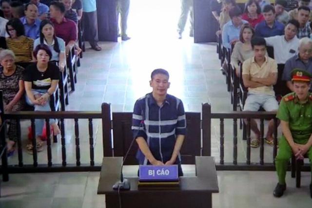 Xét xử Trần Đình Sang - người hay quay, chụp cảnh sát giao thông