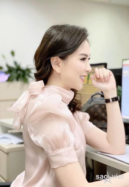 Thực hiện giãn cách xã hội, BTV Mai Ngọc VTV nhớ khán giả da diết - 4