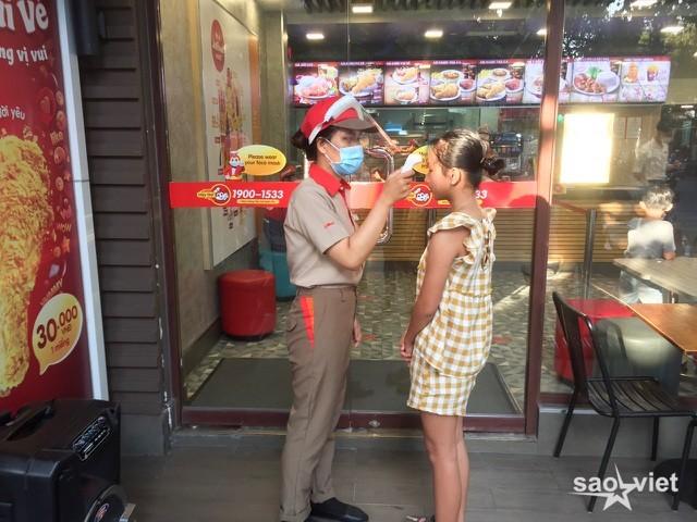Hình ảnh Đà Nẵng khi tái lập biện pháp giãn cách xã hội  - 7