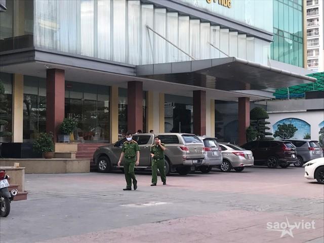 Theo mẹ đến khách sạn làm việc, bé 5 tuổi rơi từ tầng 9 tử vong - 2
