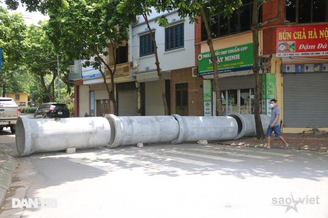 Cận cảnh những chốt chặn độc lạ ở Hà Nội - 7
