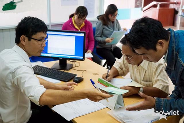 Công chức, viên chức sẽ được quyền kinh doanh để tăng thu nhập - 1