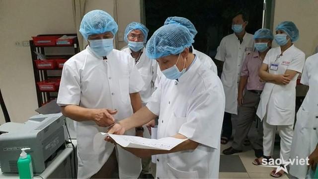 Đã lấy hết mẫu tại BV Đà Nẵng, nhiều bệnh nhân Covid-19 chuyển biến tốt - 1
