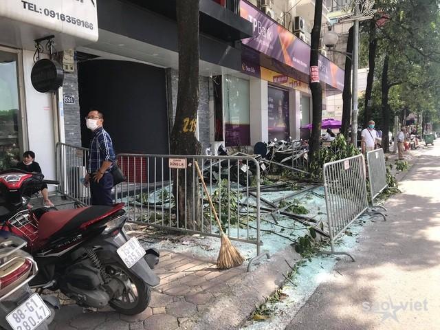Hà Nội: Nổ lớn tại nhà hàng Nhật Bản, nghi có 3 người bị thương - 1