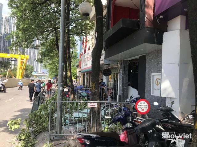 Hà Nội: Nổ lớn tại nhà hàng Nhật Bản, nghi có 3 người bị thương - 2