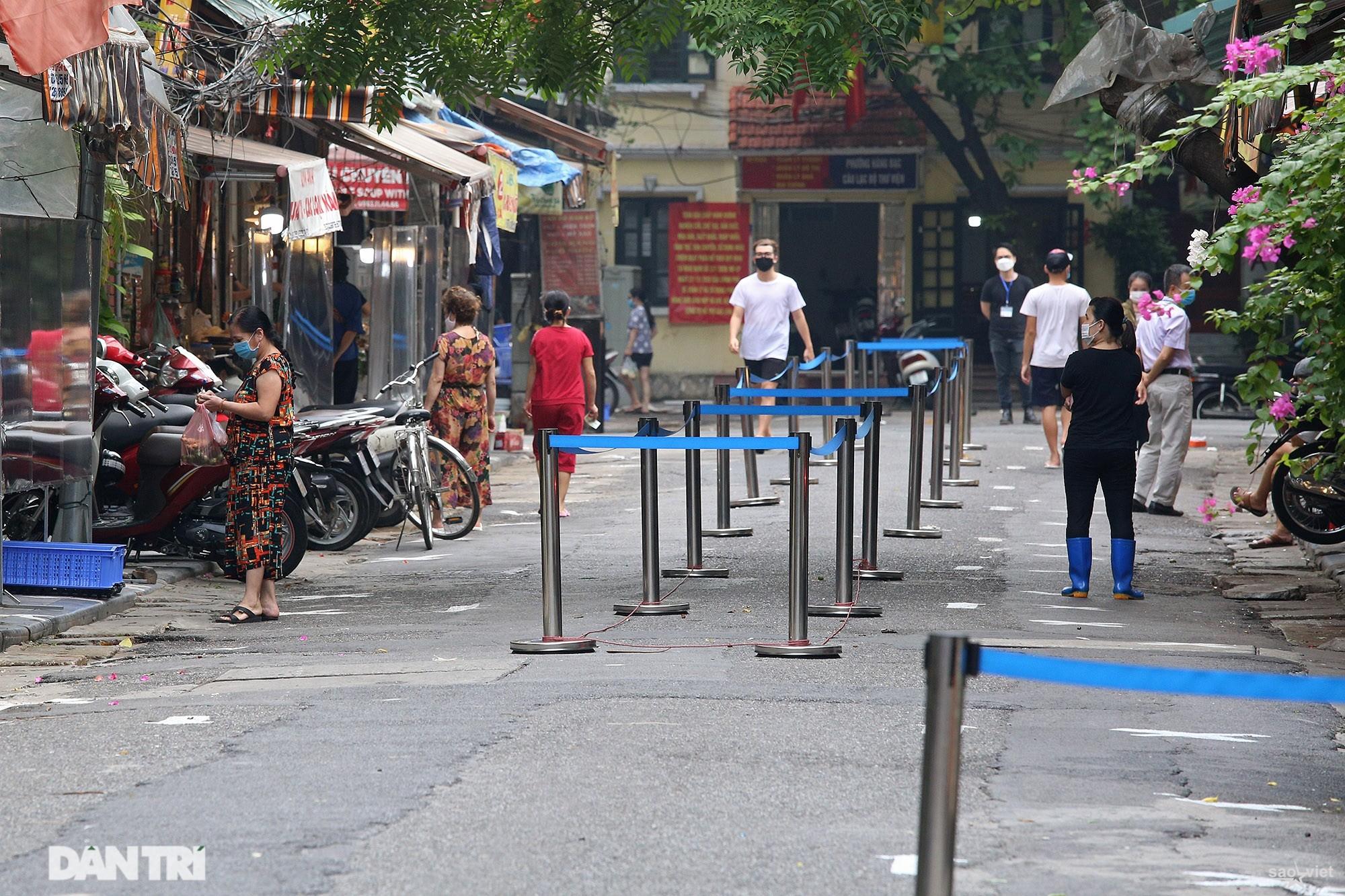 Mới lạ cảnh mua bán bằng ám hiệu ngón tay ở chợ nhà giàu phố cổ Hà Nội - 15