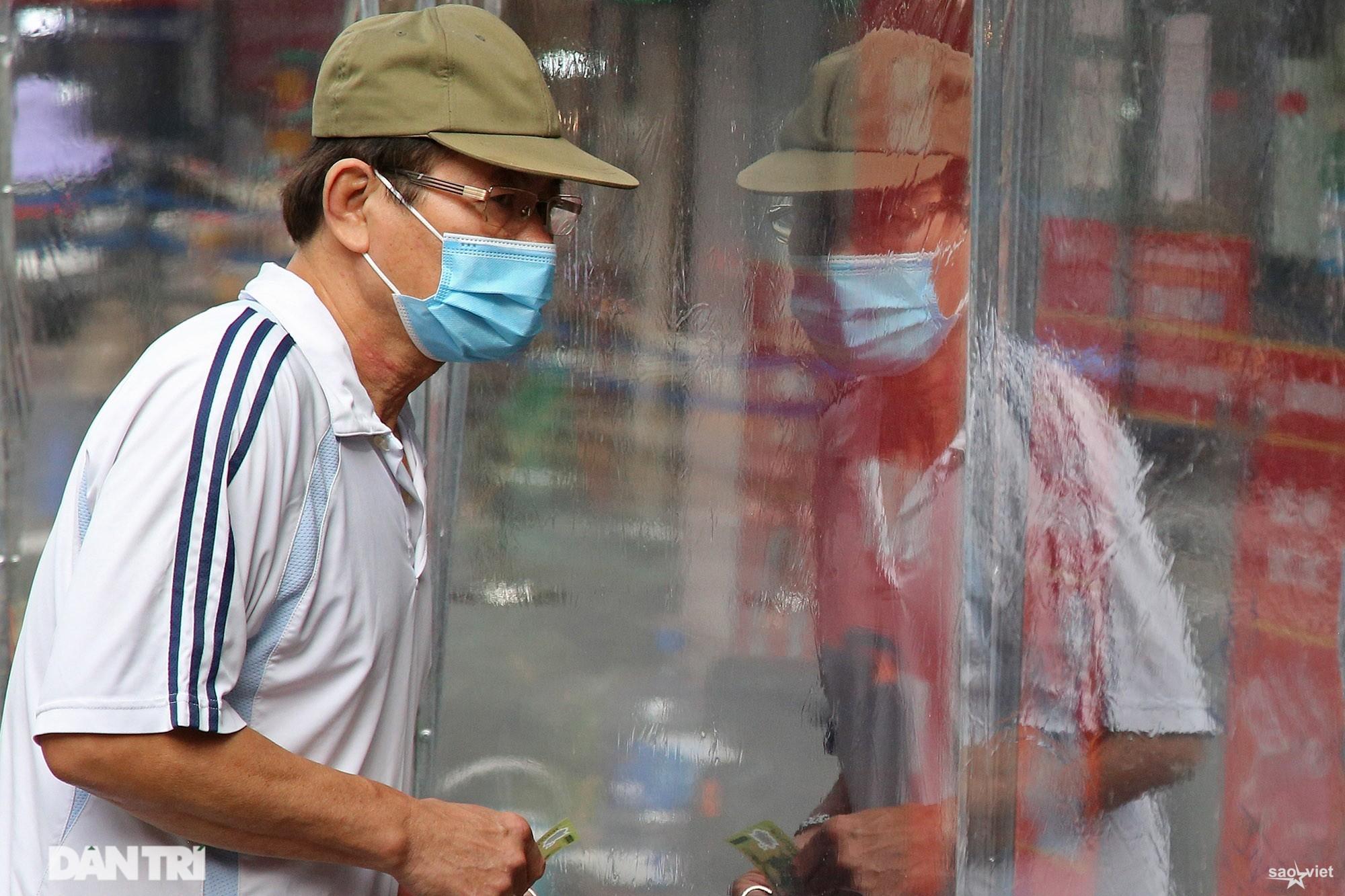 Mới lạ cảnh mua bán bằng ám hiệu ngón tay ở chợ nhà giàu phố cổ Hà Nội - 7