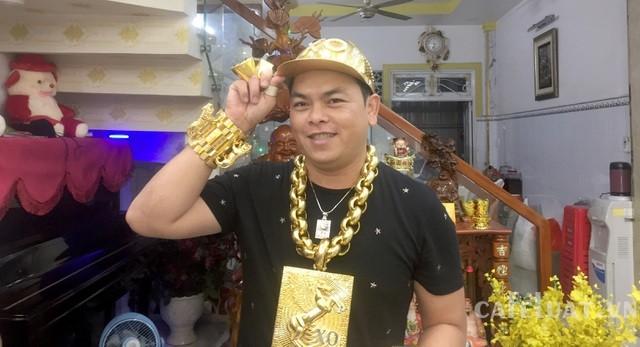 Người đeo nhiều vàng nhất Việt Nam bị truy tố tội chứa chấp sử dụng ma tuý - 1