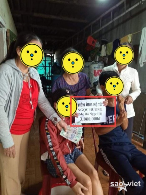 Đến mẹ Hà Hồ bị soi chi tiết gây tranh cãi, chỉ ghi tên cá nhân và con gái khi phát tiền trong đợt cứu trợ miền Trung? - Ảnh 2.
