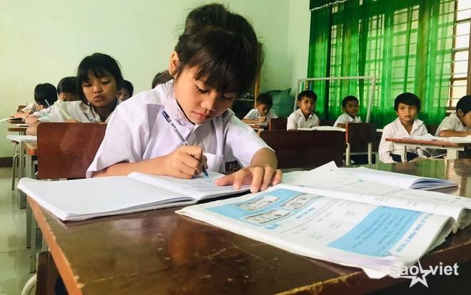 Hà Nội xây dựng nhiều phương án đưa học sinh trở lại trường học - 1