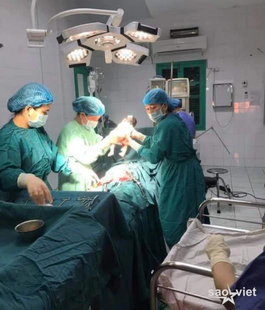 Mổ đẻ cấp cứu cho sản phụ mới 11 tuổi - Ảnh 1.
