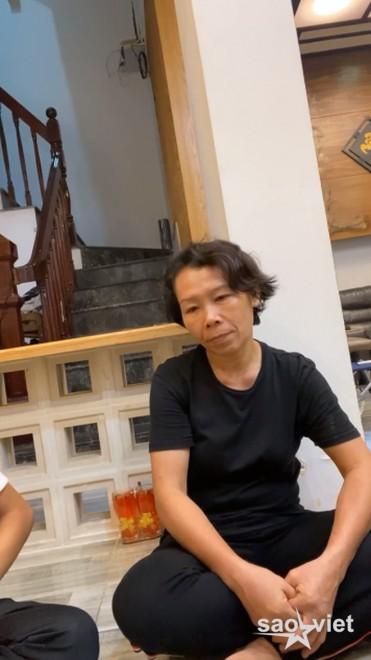 """Netizen phẫn nộ việc Trang Trần đến nhà, liên tục hỏi như """"ép cung"""" Hồ Văn Cường dù Phi Nhung mới qua đời - Ảnh 2."""